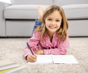 Homework little girl HD picture