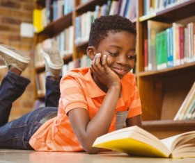 Reading African children HD picture