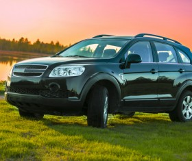 SUV on the grass HD picture