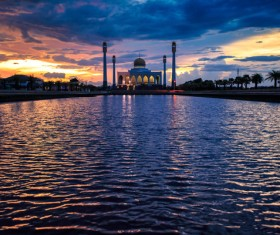 Sunset when the Thai Song card – the central mosque