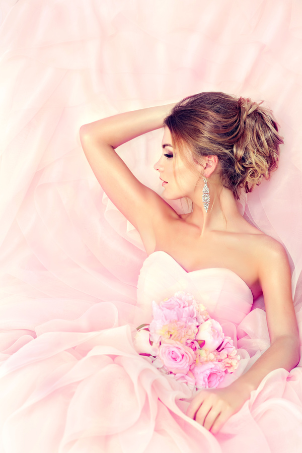Beautiful bride married hairstyle HD picture