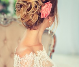 Bride married hairstyle and roses in her hair HD picture 01