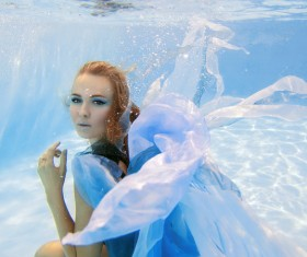 Fashion woman underwater shooting HD picture 01