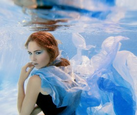 Fashion woman underwater shooting HD picture 02