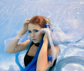 Fashion woman underwater shooting HD picture 03