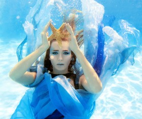 Fashion woman underwater shooting HD picture 04