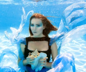 Fashion woman underwater shooting HD picture 05