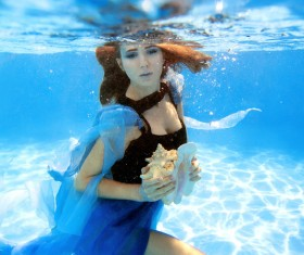 Fashion woman underwater shooting HD picture 06
