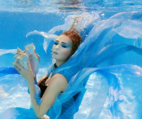 Fashion woman underwater shooting HD picture 07