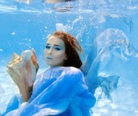 Fashion woman underwater shooting HD picture 08