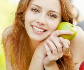 Holding green apple girl HD picture