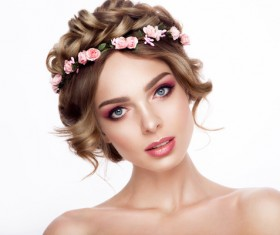 Makeup woman with garlands HD picture