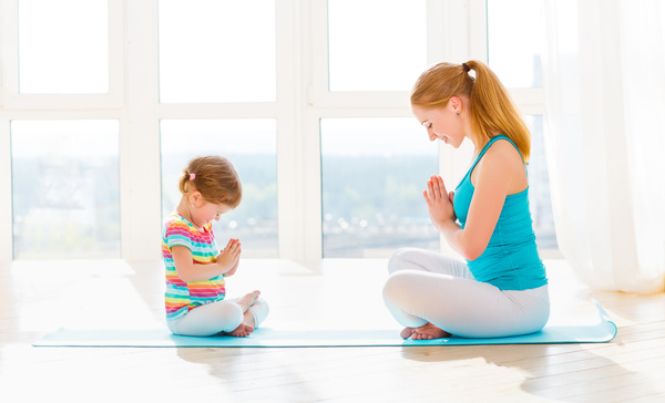 Mother and daughter face to face meditation HD picture