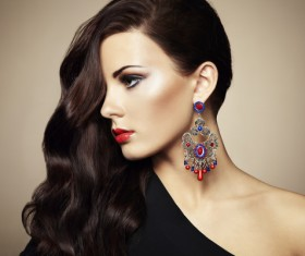 With innovative design earrings girl HD picture