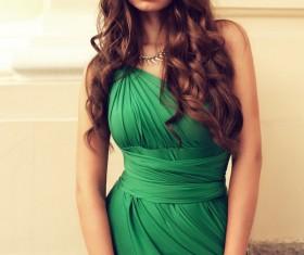 Woman wearing a green dress HD picture