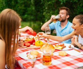 Friends picnic together HD picture