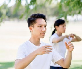 People practicing tai chi in park HD picture 03