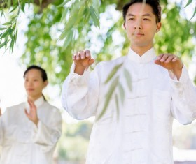 People practicing tai chi in park HD picture 04