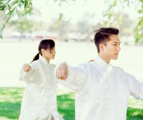 People practicing tai chi in park HD picture 10