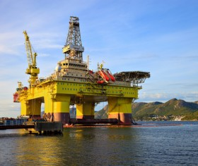 Offshore oil platform Stock Photo 01