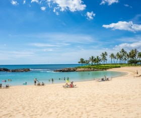 People on beach vacation HD picture