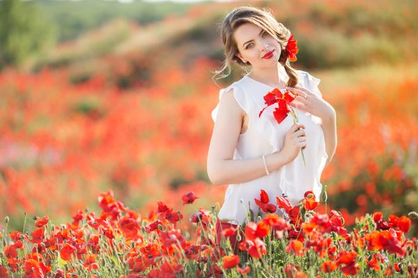 Poppy Flower Field Beautiful Girl HD Picture 13 Free Download