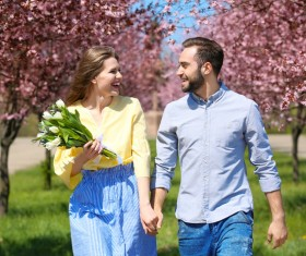 couple walking in the spring HD picture
