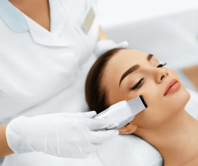 Beautician for customer beauty services Stock Photo 01