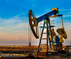 Collecting oil Stock Photo 01