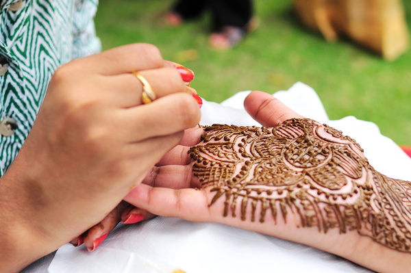 Henna Mehndi Vector Free Download : Indian henna tattoo stock photo people free download