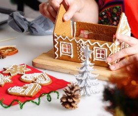 Making Christmas cookie house Stock Photo 01