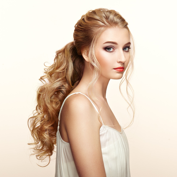 Girl Hairstyle Download Video: Beautiful Girls With Fashionable Hairstyles And Stylish
