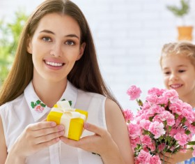 Mothers Day to the mothers greeting card and flowers Stock Photo