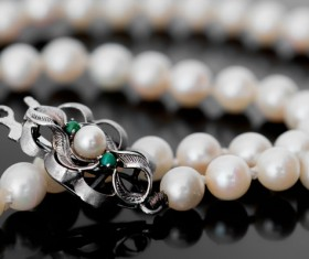 Pearl necklace Stock Photo 02