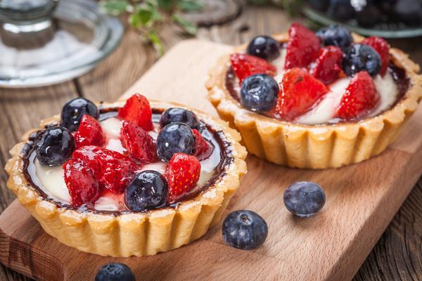 Strawberry and blueberry decorated fruit tart Stock Photo 04