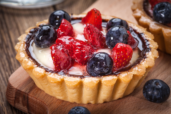 Strawberry and blueberry decorated fruit tart Stock Photo 06