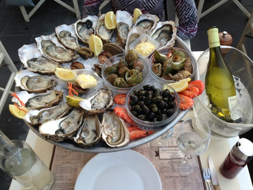 Frozen oysters and seafood platter Stock Photo