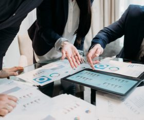 View market cycle data using your tablet Stock Photo 01