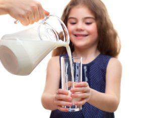 Pour the milk Stock Photo 01