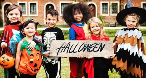 Children celebrating Halloween Stock Photo 09