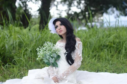 Bride wearing wedding dress Stock Photo 03
