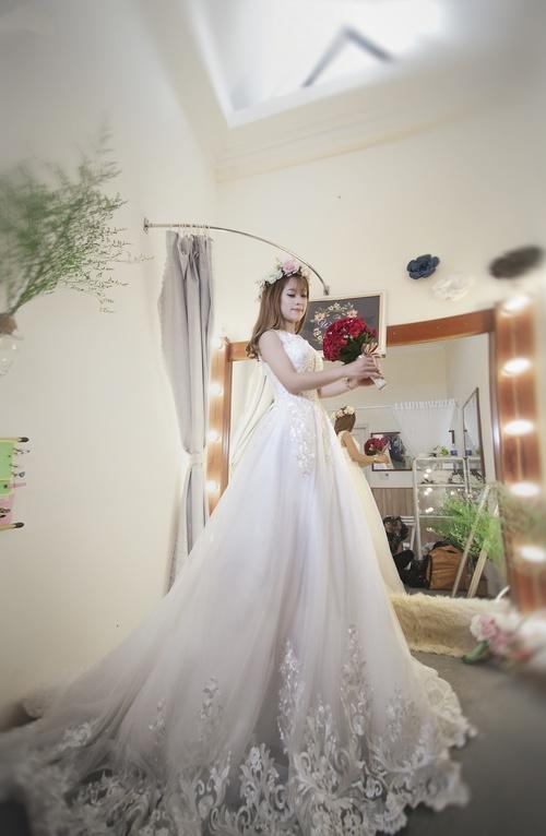 Bride wearing wedding dress Stock Photo 08