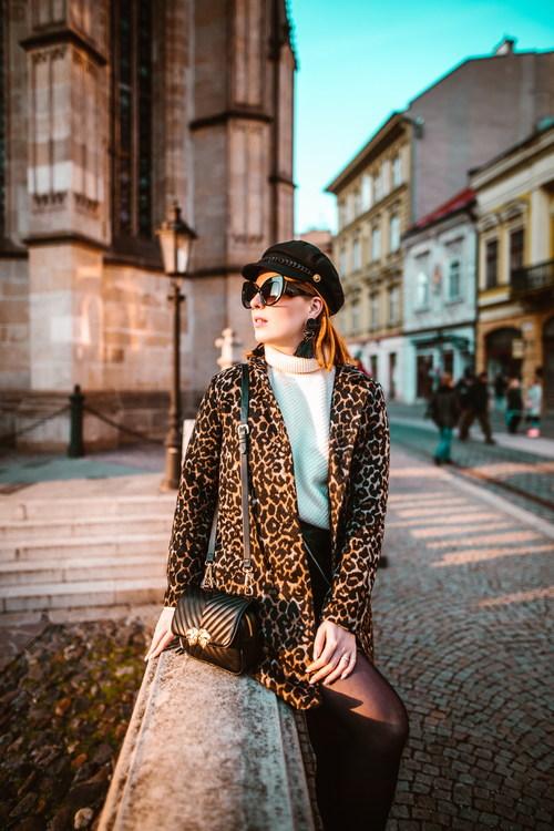 Stock Photo Women wear leopard print coats