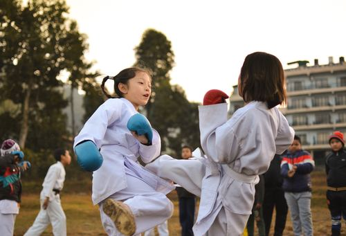 Children practicing taekwondo Stock Photo